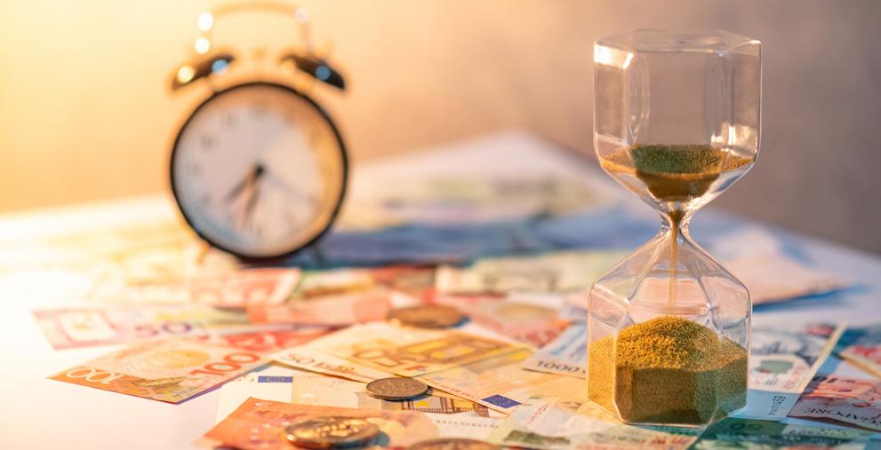 Zeit ist Geld, heißt es doch so schön. Kommunen können ihre Mitarbeiter jetzt in Kurzarbeit schicken.