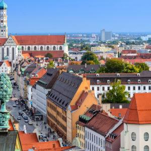 Kann genau so wenig in die Zukunft blicken wie die anderen Kommunen, hat aber eine Finanzstrategie entwickelt, um gegen die Coronakrise anzukämpfen: die Stadt Augsburg.