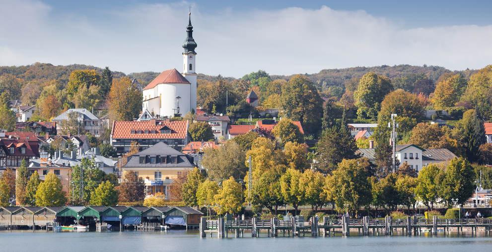 Blick auf Starnberg am gleichnamigen See: Gegen Eva John, die Bürgermeisterin der Stadt, hat die Landesanwaltschaft Bayern eine Disziplinarklage erhoben.