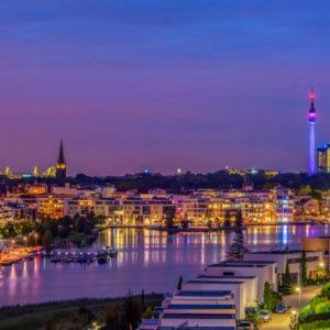 Dortmund bei Nacht: Die kommunale Tochter DSW21 hat einen digitalen Schuldschein ohne Arrangeur platziert.