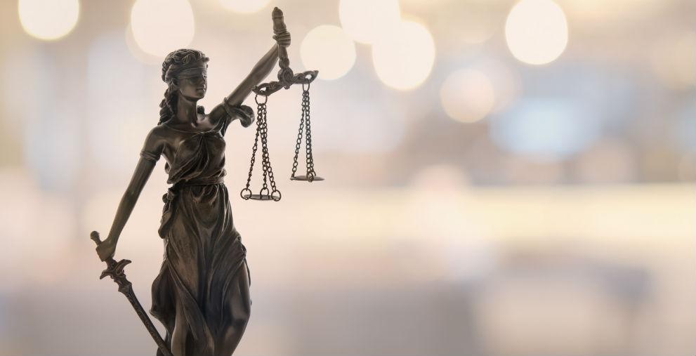 Am vergangenen Freitag wurde vor dem Frankfurter Landgericht der Prozess gegen den Eschborner Bürgermeister eröffnet.