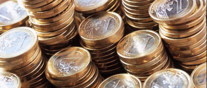 Die Ungleichgewichte nehmen zu: Geldstapel sind eher in süddeutschen Kommunen zu finden.