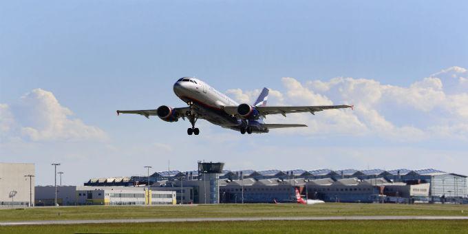 Blick auf den Flughafen Dresden International