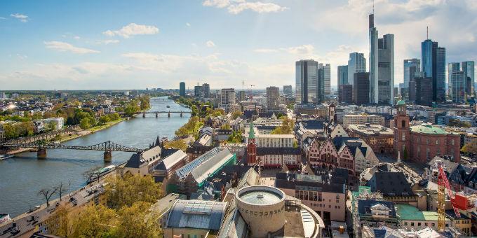 Bankenmetropole Frankfurt: Deutschlands Privatbanken wollen nur noch Privatkunden den vollen Einlagenschutz gewähren.