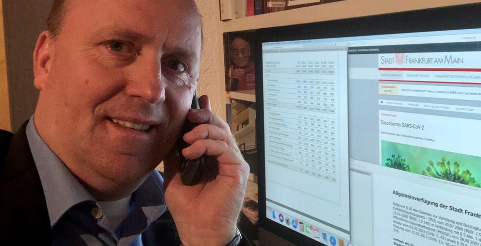 Frankfurt Kämmerer Uwe Becker befindet sich in Quarantäne. Dem DNK stand er trotzdem für ein Telefonat zur Verfügung.