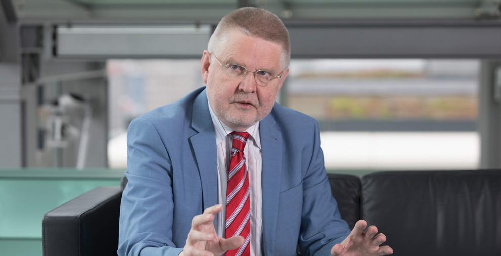 Begrüßt, dass der Bund seine Beteiligung an den Kosten der Unterkunft erhöht: Hans-Günter Henneke, Hauptgeschäftsführer des Deutschen Landkreistages in Berlin.