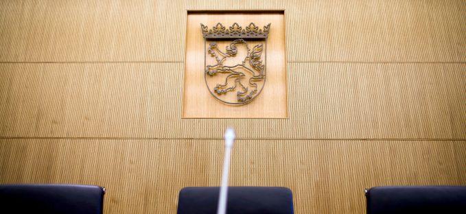 Wenn es zu einer Klage gegen den KFA kommen sollte, würde diese vor dem Staatsgerichtshof des Landes Hessen landen.