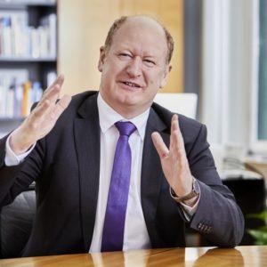 """""""Wir haben eine eigene, einfache und gerechte Grundsteuer entwickelt"""", erklärte der Niedersächsische Finanzminister Reinhold Hilbers bei der Vorstellung des neuen Grundsteuermodells."""
