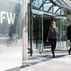 Die KfW will ab April dieses Jahres negative verzinste Direktkredite an Kommunen verteilen.