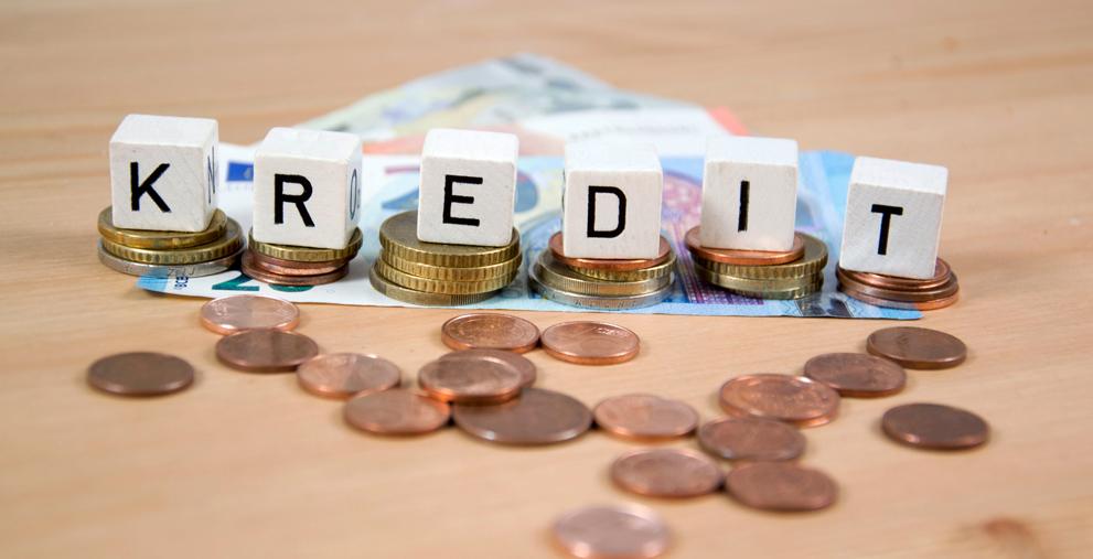 In Schieflage: hohe Verschuldung führt in vielen Kommunen zu geringen Investitionstätigkeiten.