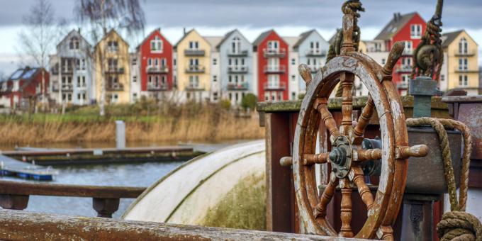 Streit um die Kreisumlage im Landkreis Nordwestmecklenburg: Auch das OVG Greifswald gibt der Gemeinde Perlin Recht (im Bild: die Stadt Greifswald).