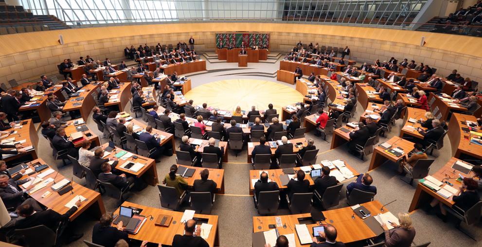 Hat mutmaßlich einen Paragrafen bei der Übertragung des Epidemie-Gesetzes vergessen: Der Nordrhein-Westfälische Landtag.