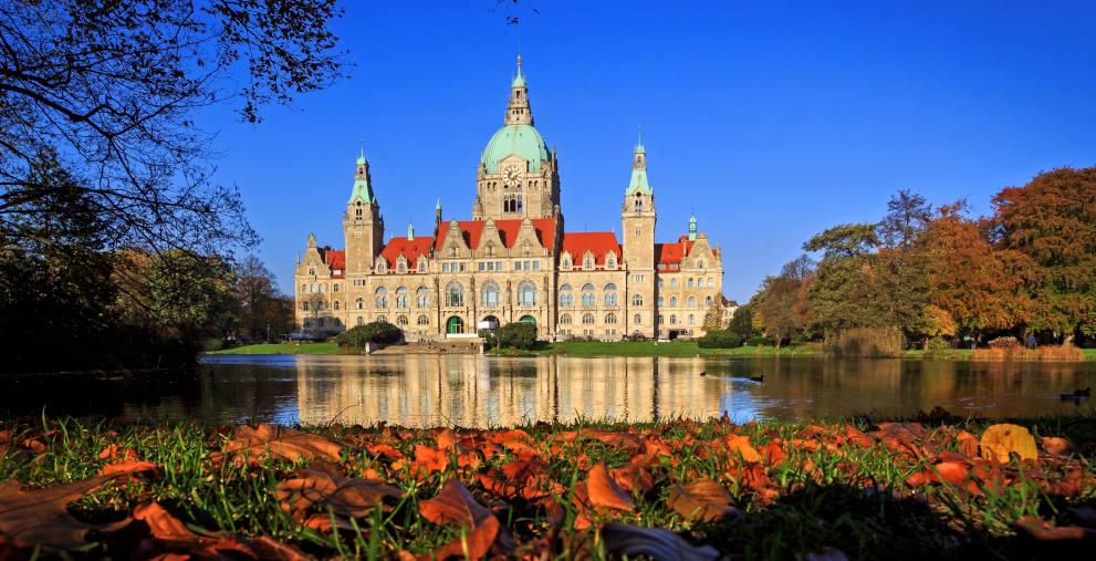 Neues Rathaus in Hannover: Der Steuerzahlerbund rät, die leistungsbezogenen Prämien stärker abzustufen und so die Beschäftigten zu besserer Leistung zu animieren.
