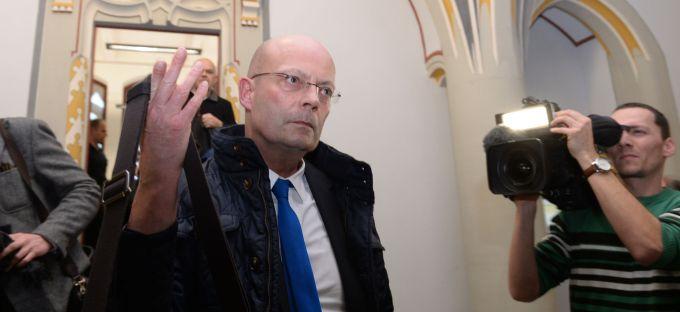 Halles Oberbürgermeister Bernd Wiegand nach seinem Freispruch beim Landgericht Halle.