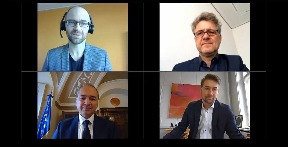 Sprechen im Videointerview über die Rolle der Kommunen in Europa: OBM/DNK-Redakteur Andreas Erb mit den Oberbürgermeistern Frank Mentrup aus Karlsruhe, Octavian Ursu aus Görlitz und Uwe Conradt aus Saarbrücken (links oben nach rechts unten)