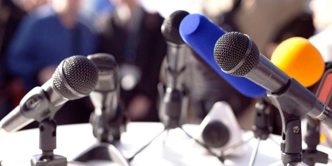 Journalisten können sich unter bestimmten Voraussetzungen auch gegenüber privaten Unternehmen auf ihr Auskunftsrecht berufen.