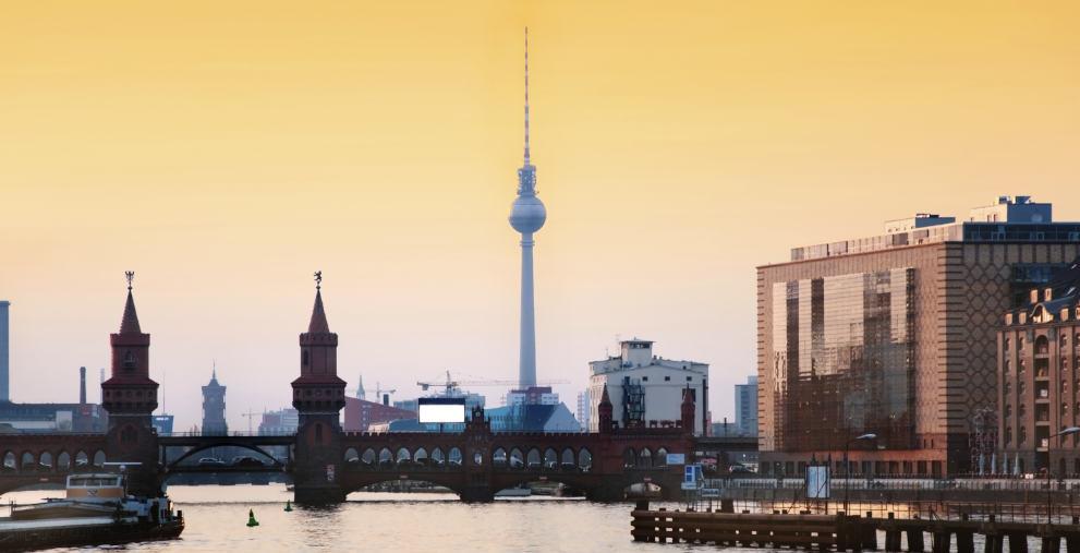 Fast in alle deutschen Metropolen steigen die Immobilienpreise. Städte reagieren mittlerweile mit Gegenmaßnahmen und fahren die Investitionen hoch.