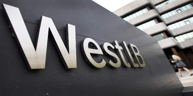 Weil die WestLB ihnen hochspekulative Währungswetten als finanzielle Absicherung verkaufte, gingen viele Kommunen vor Gericht.