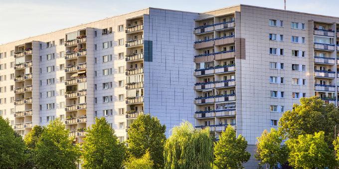 Eine aktuelle Studie empfiehlt Kommunen, ihren Wohnungsbestand zu verkaufen.