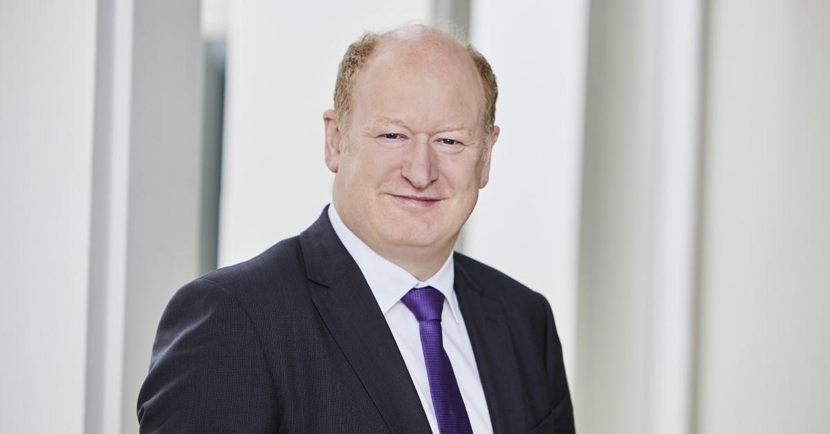 Der niedersächsische Finanzminister Reinhold Hilbers erklärt das neue Grundsteuergesetz.