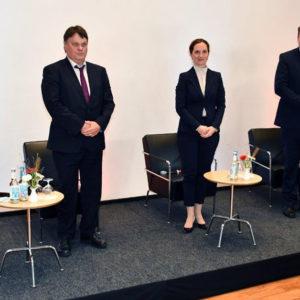 Haben eine spannende Podiumsdiskussion in der Bremer Landesvertretung zum Thema Nachhaltigkeit geführt: Verena Göppert, Dietmar Strehl, Vanessa Wilke, Andreas Dressel und Kristina Jeromin (v.l.).